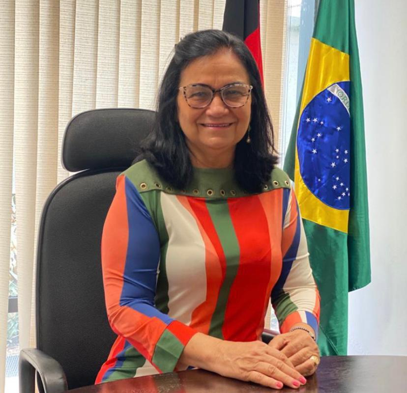 Projeto de Nailde Panta prevê reserva de vagas de concurso para mães de  pessoas com deficiência - Paraíba Todo Dia
